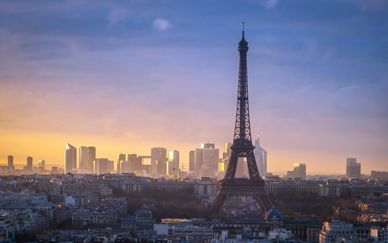 Beautiful Eiffel Tower Photo HD