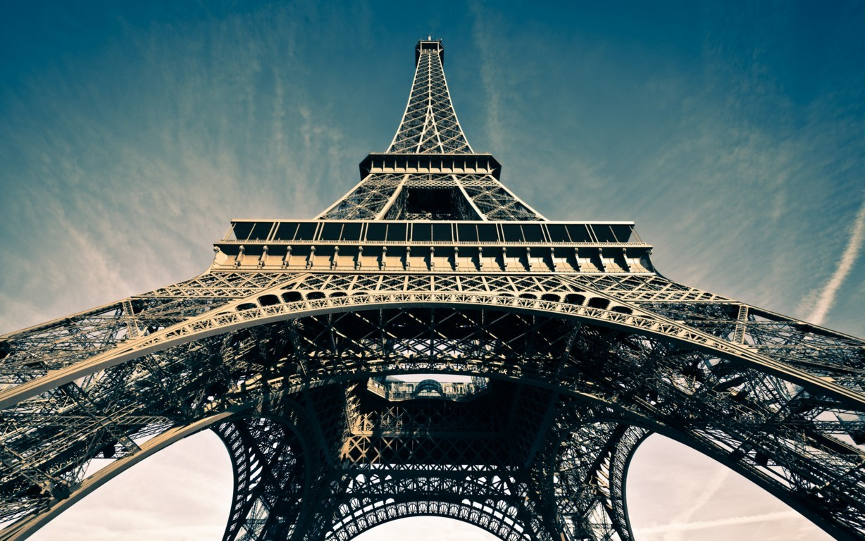 Beautiful Eiffel Tower Photo Picture