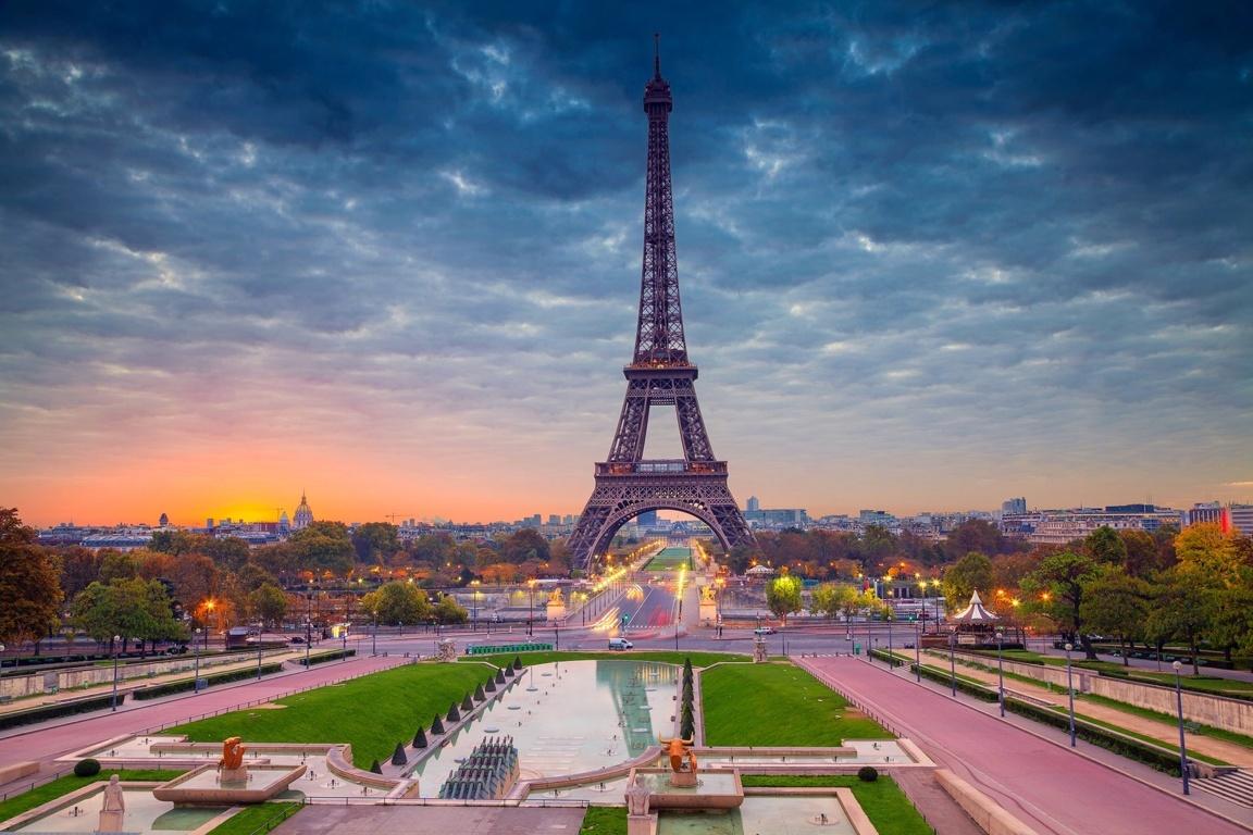 Eiffel Tower 4k Hd Wallpaper For Tablet Smartphone Desktop