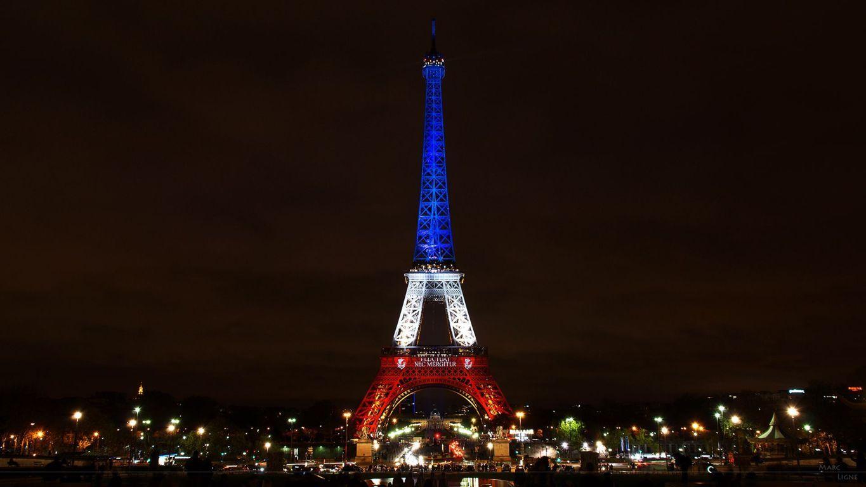 Eiffel Tower Paris Night Illustration Wallpaper Art