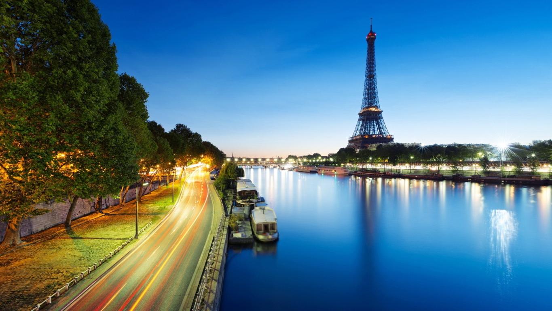 Eiffel Tower Wallpaper 4K