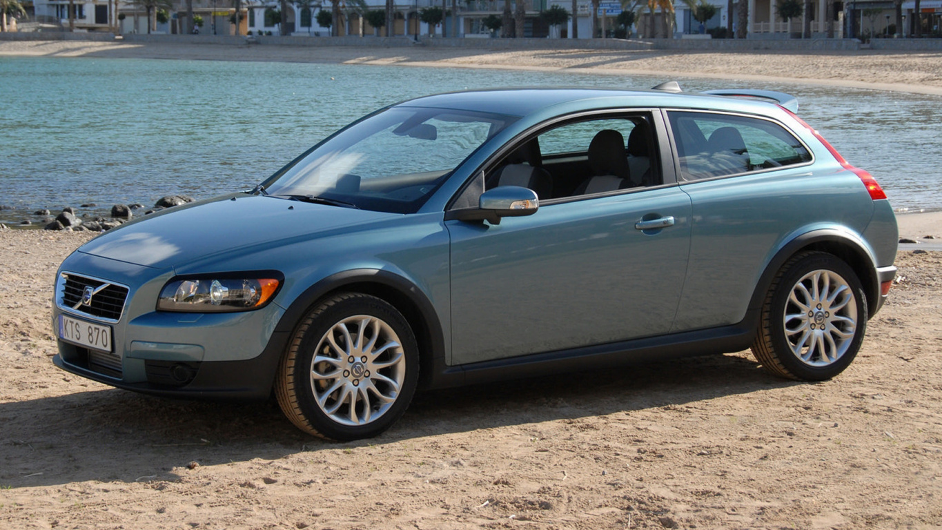 Volvo XC60 Wallpaper and Background